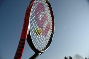 やぎメソッドにおけるテニスのサーブとは
